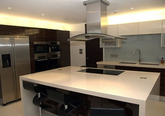 Gloss Veneer - Kitchen Project